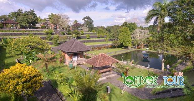 mata air di taman Narmada Lombok