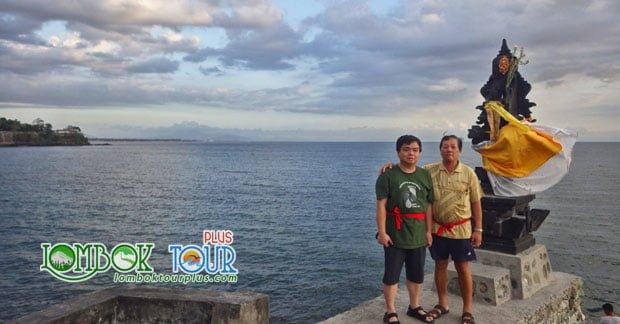 wisata pura batu bolong Lombok