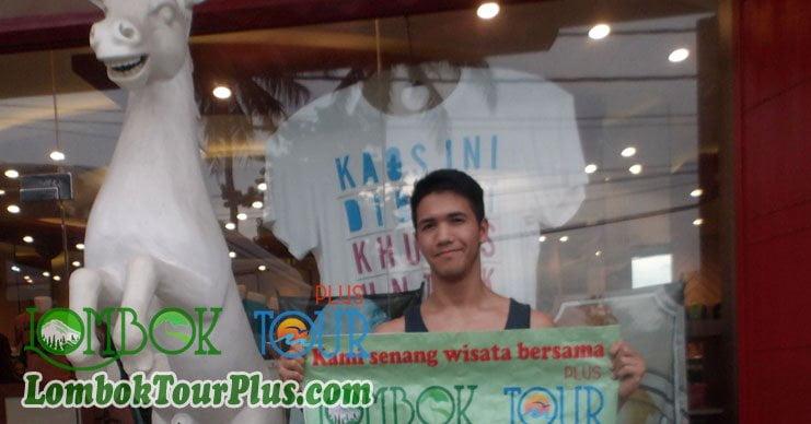 belanja oleh oleh baju khas lombok