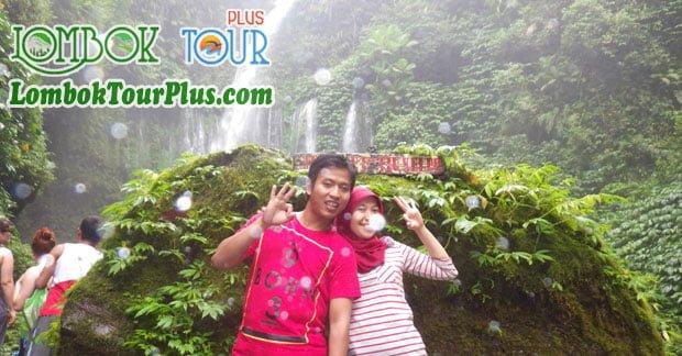 Keceriaan Bapak Wahyu wisata Air Terjun Lombok
