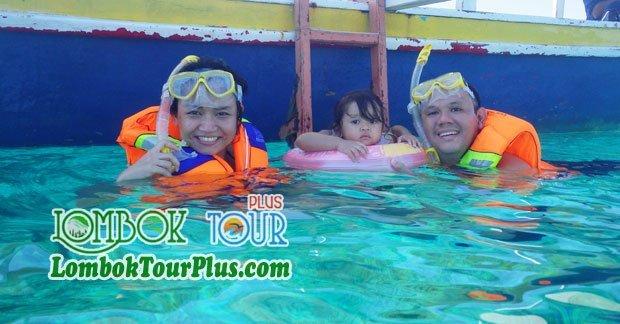 Keceriaan Keluarga Ibu Shelly wisata di Lombok