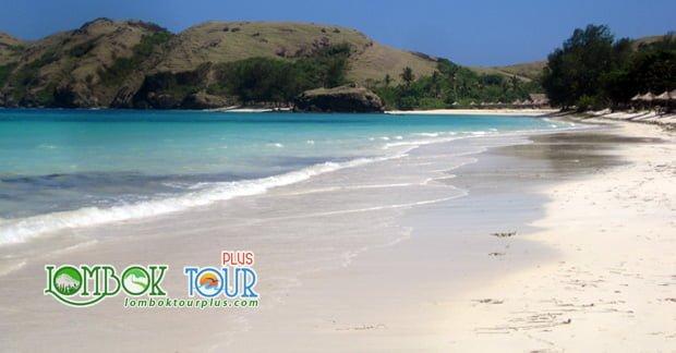 tempat wisata Lombok pantai tanjung aan