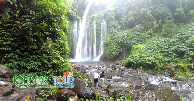 wisata ke lombok mengunjungi Air Terjun Tiu Kelep