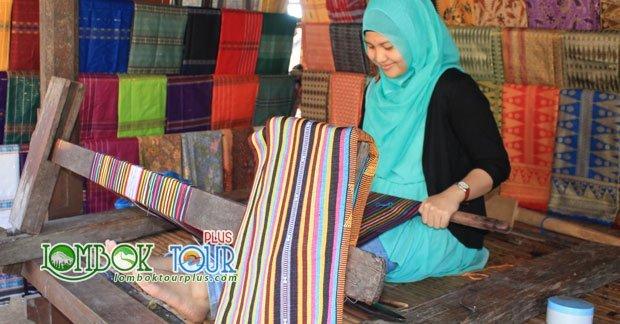 Kerajinan Suku Sasak Lombok