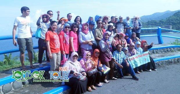 Group Wisata di Lombok Ibu Yati