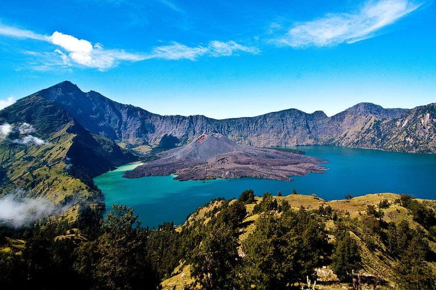 Pesona Gunung Rinjani Bak Surga Yang Terlihat