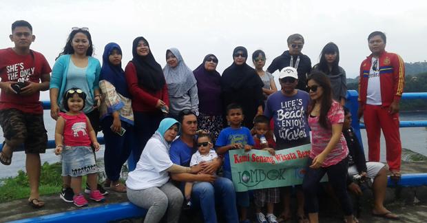Wisata Ibu Erna & Keluarga di Wisata Bukit Malimbu Lombok