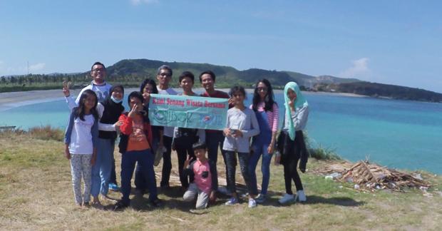 Wisata Tanjung Aan Lombok Bapak OKy & Keluarga