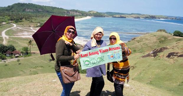 Pesona Indah Lombok di atas bukit Pantai Seger Lombok