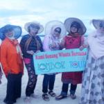 Panorama Pantai Pink Lombok yang Menawan