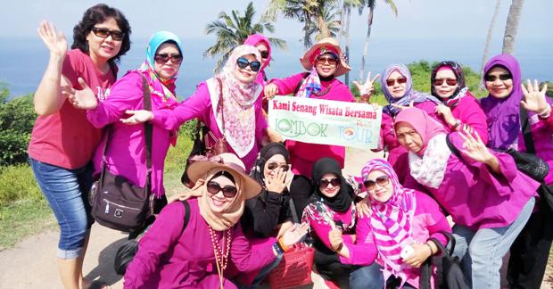 Wisata Ceria Ibu Sri dan Sahabat di Lombok