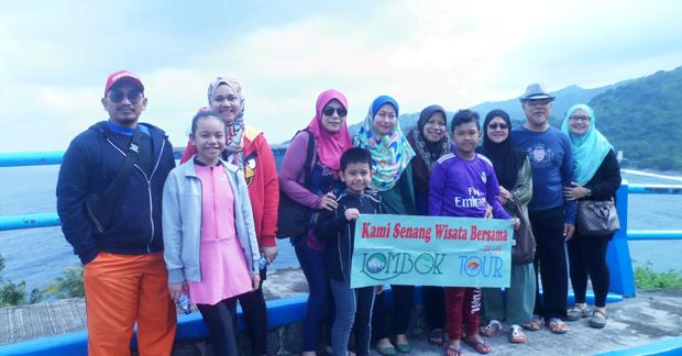 Wisata Ceria Ibu Nur dan Keluarga di Bukit Malimbu Lombok