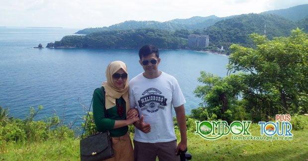Wisata Ibu Silvia dan Suami di Bukit Malimbu