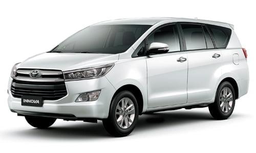 sewa mobil toyota Innova di lombok