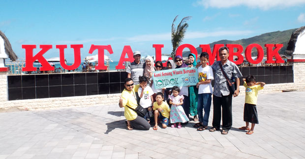 Wisata Bapak Oni Chandra Dan Keluarga di Kuta Lombok