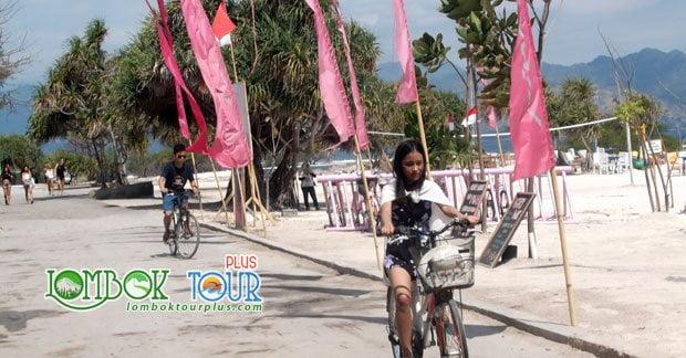Berkeliling Gili trawangan dengan sepeda