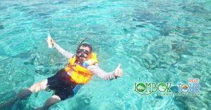 Nikmati keindahan alam bawah laut dengan snorkeling