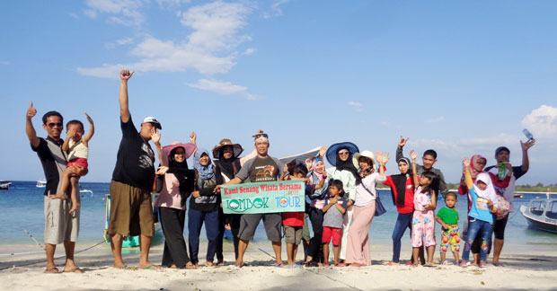Wisata Bapak Asep dan keluarga di Gili Trawangan Lombok
