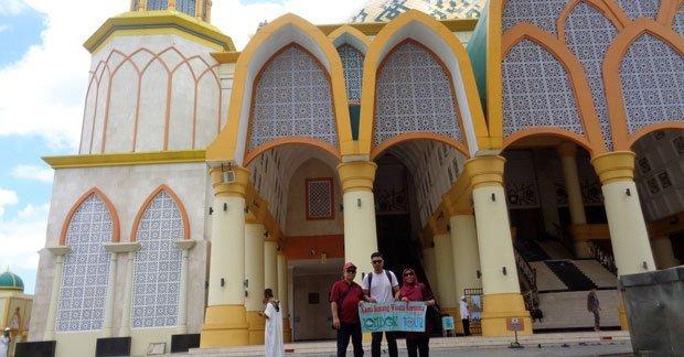 Wisata Bapak Bima dan Keluarga mengunjungi Islamic Center Lombok