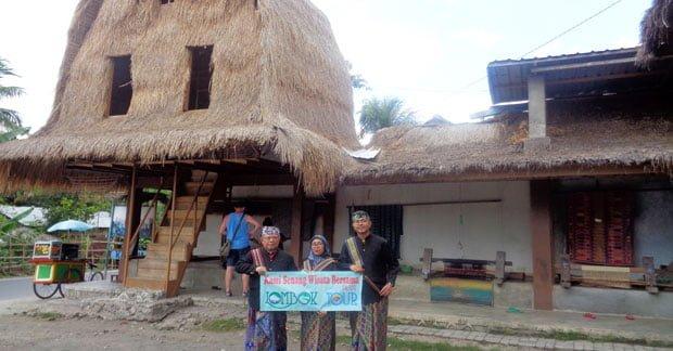 Wisata di Desa Sukarara Lombok