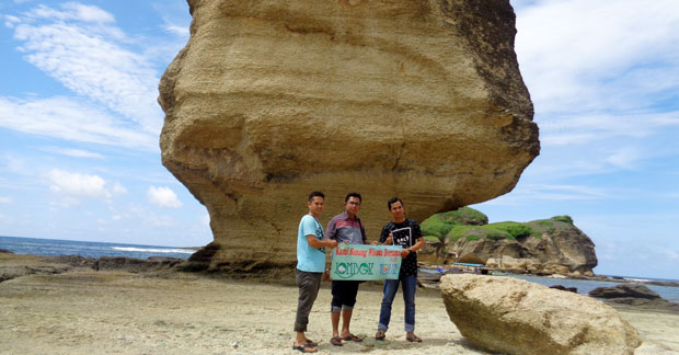 Wisata Pantai Batu Payung Lombok
