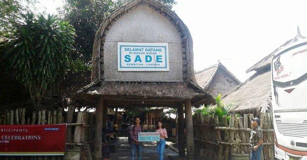 Wisata Bapak Alpon mengunjungi Desa Sade Lombok