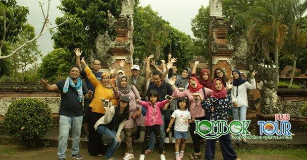 Wisata Ibu Maya di Pura Lingsar