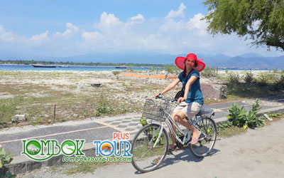 Mengelilingi Gili Trawangan Dengan Sepeda